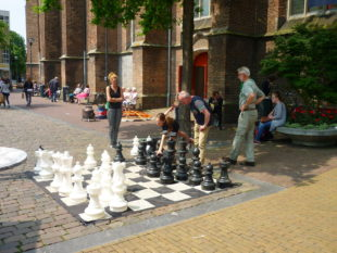 XXL_Schaken_op_Broerenkerkplein_Zwolle_door_Pegasus_P1000901